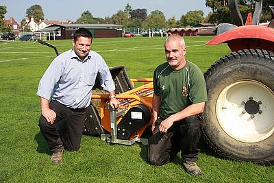 Andy-Richards,-Head-Groundsman-at-Shrewsbury-School-rec'd-his-SISIS-TM1000-from-Jim-Clarke-Machinery