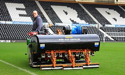Derby County Groundsman Praises SISIS Javelin Aer-Aid